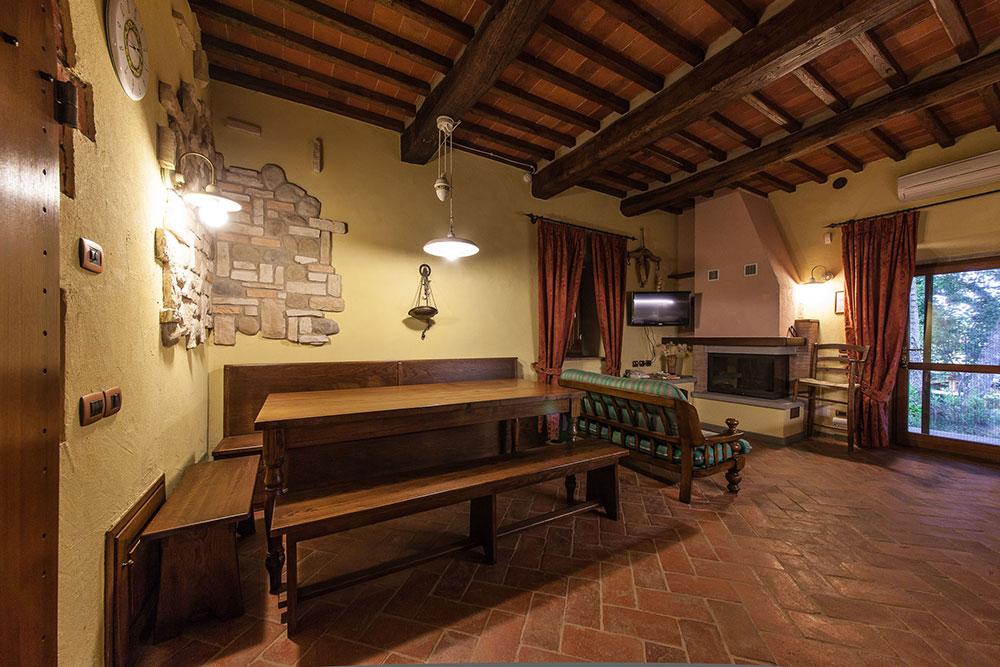 Appartamento taverna piccola 2 1 posti letto nel cuore for Piccola casa colonica